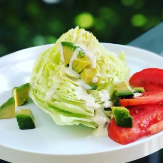 YES—YOU CAN EAT ICEBERG LETTUCE! Ok folks, I know that for years you heard nutritionists like me telling you to skip iceberg 🥬 because it lacks significant nutrients. Fine, it's never going to be kale, but guess what that big wedge of crunch has? 🙋🏻♀️ Lots of 💦 And on a day like today, you need lots of that. That's right—iceberg lettuce 🥬 is tops for 💦 content, tying with 🥒 at 96% H2O. So go ahead, slice a big wedge and drizzle it with your fave creamy dressing (I used @litehousefoods Purely Balanced Caesar) and drink in all that tasty hydration👍💦🥬 And if you're looking for more hydration tips for staying active, download my SUMMER ☀️ FITNESS GUIDE. It's free and it's on my website👆  #hotsummerdays  #hydrationtips  #summersafety  #summerhydration  #hydratingfoods  #iceberglettuce  #icebergwedge  #coolingfoods  #summerfood  #caesardressing  #nutritionistapproved  #nutritiontips  #hydrationforfitness #heatwave  #beatheheat