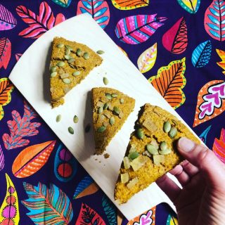 🎃PUMPKIN-GINGER SCONES! 🎃 Let's head into the long weekend with a 😋 treat, shall we? I'm in Idaho right now (check out the scenery 🏔 in my stories), but I'll be making a batch of these Pumpkin-Ginger Scones as soon as I get home. Some people think scones are hard to make, but that's not true! Plus, I think they're a nice change up from muffins. And these deliver all the PS 🎃 flavor you could want, Plus they have the spicy heat of crystallized ginger on top—so good! Don't forget the added magnesium (great for your 💪🏽) from the 🎃 seeds😁 Grab the recipe at the link 👆 or DM me for it and I'll send it right over. And save this post for Monday when you have the day off and wan to warm up your kitchen 🍂  #psl  #pumpkinspiceeverything  #pumpkinspicescones  #pumpkinspicerecipes  #pumpkinrecipes  #crystallizedginger  #pumpkinseeds  #fallbaking  #fallbaking🍁🍂  #betacarotene