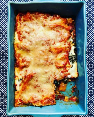 BUTTERNUT & KALE LASAGNA I feel like I turned around, IG crashed and now it's suddenly fall 🍂 for real. Ok sweater season, I see you and give you my Butternut & Kale Lasagna😋 No, I don't replace the lasagna noodles 🍝 with butternut squash. You could do that, but why? I like my carbs for 🏃♀️ and just for life energy 💥 Plus, I like the philosophy of what I can ADD to my recipes, not what I can take away.  If you agree, grab this yummy, cheesy recipe 👆 or DM me for it. I 🧡 that it gives me all the #comfortfood feels, plus extra fiber and immune supporting nutrients from the extra veggies 🥬  PS: In case you needed another reason to eat 🍝 it's #nationalpastamonth 😁 #pastalovers🍝  #nationalpastamonth  #carblover  #butternutsquash  #butternutsquashrecipes  #kalerecipes  #dontcutcarbs  #sensiblenutrition  #healthybalance  #healthycomfortfood  #foodforcoldweather  #sweaterweather  #eatingincolor  #eatmoreplants